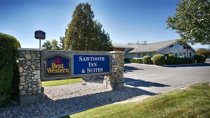 sawtooth inn best western